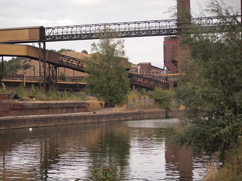 industrial scene along the Sambre
