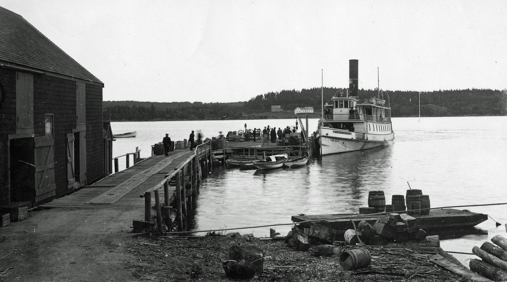 S.S. Vinalhaven at North Haven dock, early-20th century