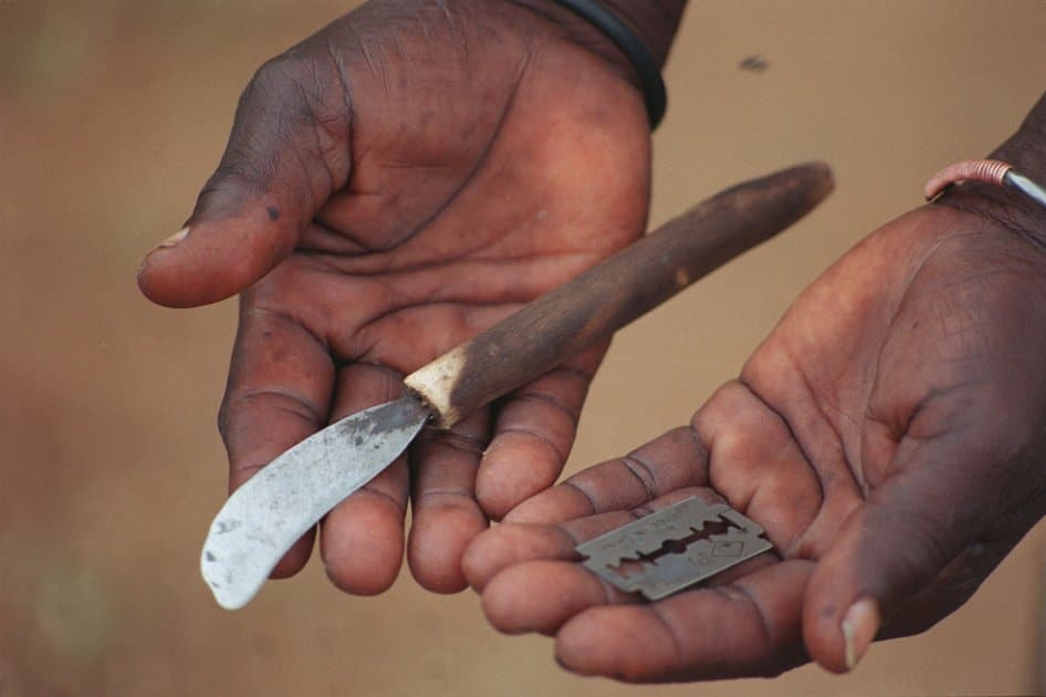 Strumenti per mutilazioni genitali femminili