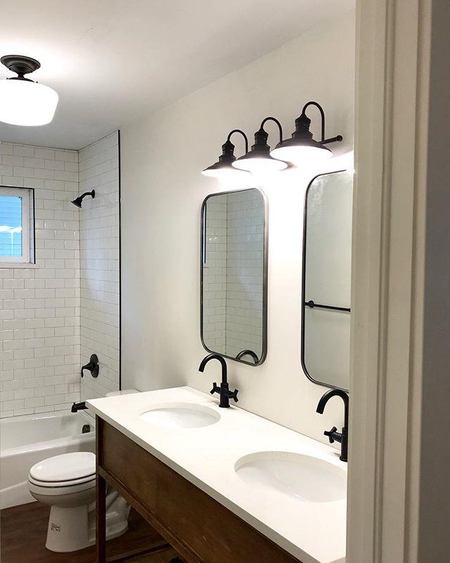 AHHHHHHHH!!!!!! . . . . .  #bluecutt #diyhomedecor #renovationproject #fixerupper #westslopereno #fromtinytosmall #fliporflop #wanderingonwheels #husbandwifeteam #firstfixer #smallhouse #smallhouseliving #thefirstfixer #tinyrenovation #westernslope #renovationnation #the50sfixer #fliphouse #realestateinvestment #bathroomreno #bathroomrenovation #bathroomvanity #trimcarpentry #diyvanity