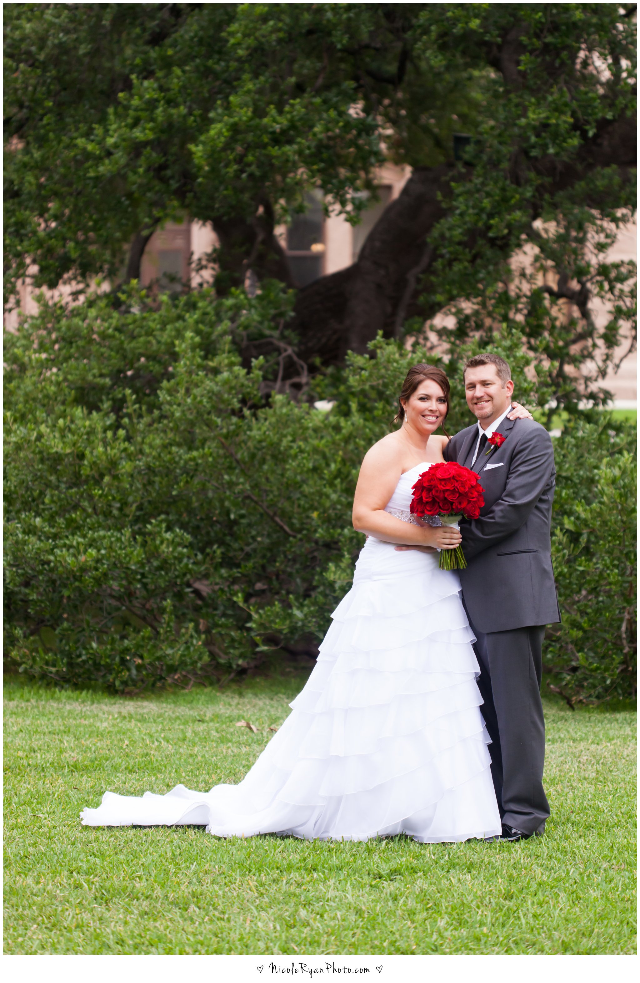 Brazos Hall wedding photography by Nicole Ryan Photography