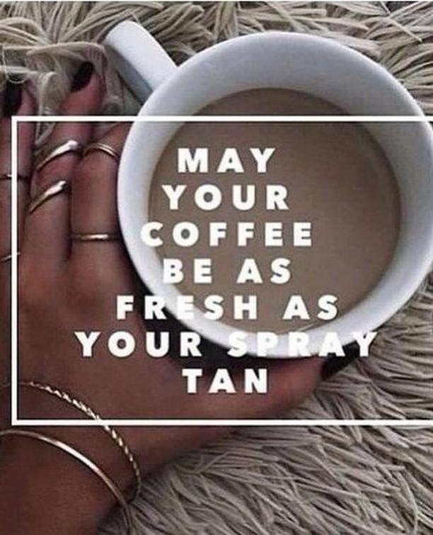 Start your weekend off with a fresh spray tan. ☮️ #elitebronzing #spraytan #customspraytan #weguaranteeourtans #competitiontan #haverhillmassachusetts #haverhillma #haverhillstylist #haverhillphotographer #weddingtan #haverhillsalon #haverhillmakeupartist #thisishaverhill #salemnh #plaistownh #hampsteadnh #derrynh #methuenma #lawrencema #andoverma #andovermums #northandoverma #northandovermoms