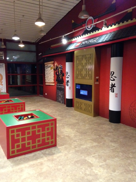 Chinese style columns with red and green plinths