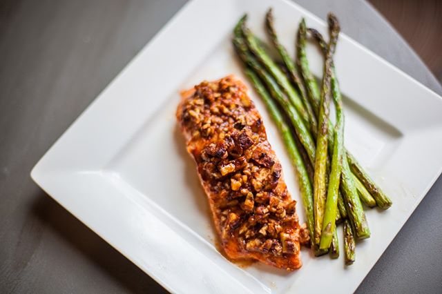 Salmon is always a good idea. We've got this week's menu up on the website available for order! Tag a friend who you think would enjoy Yummy Street! 📷 @angelaewingard  #linkinbio #paleo #eatclean #fitfam #weareoxfit #crossfit #grantpark #atlanta #discoveratlanta #atlantafoodie #foodie #eatyourcolors #cleaneating #recipetesting #sheperdspie #paleodiet #paleorecipes #paleofood #fooddelivery #atlantaeats #insta #instafood #instafoodie #foodporn #foodphotography