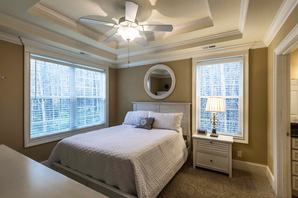 Country Suite | Murrells Inlet - 1 Queen bed, 1 Bathroom with big wide window to enjoy your mornings.