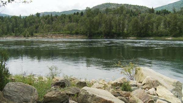 Columbia-River-Rocks-Scenic.jpg
