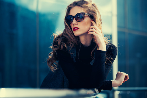 AdMo-Woman-Sunglasses.jpg