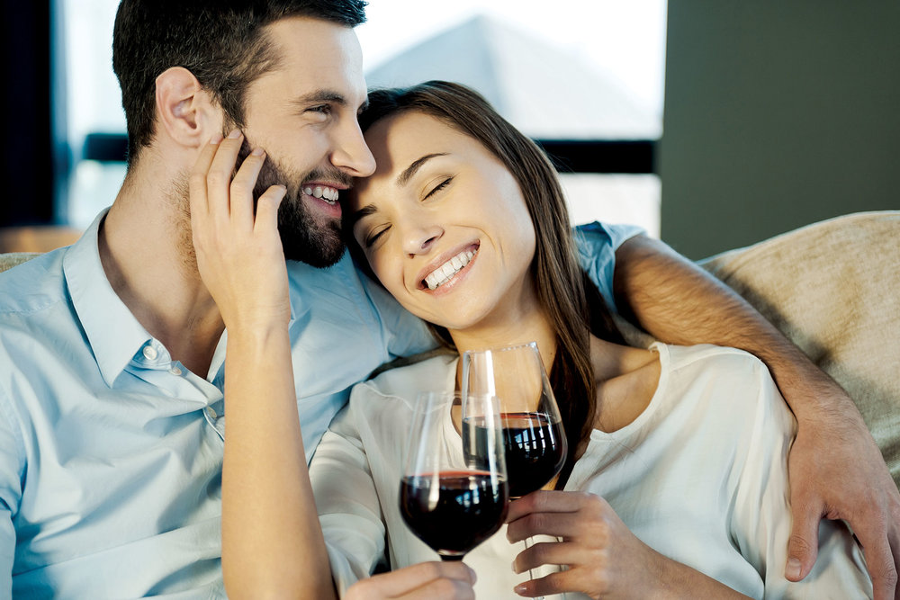 AdMo-Couple-Sofa-Wine.jpg