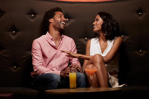 AdMo-Couple-Lounge.jpg