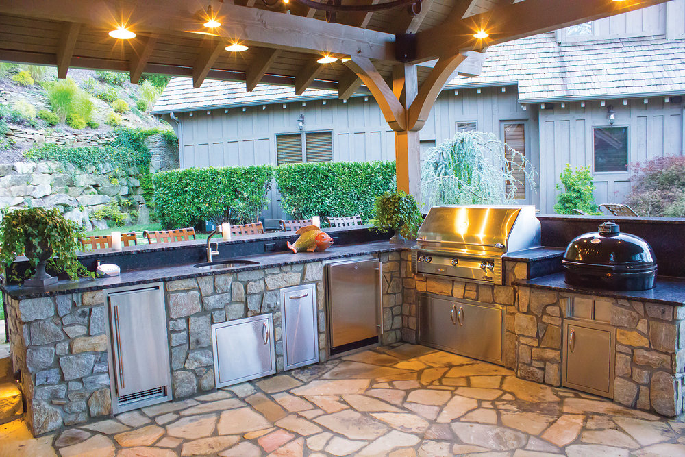The outdoor kitchen and entertainment areas give the gourmet cook all the tools they need to prepare a meal for 2 or 20.