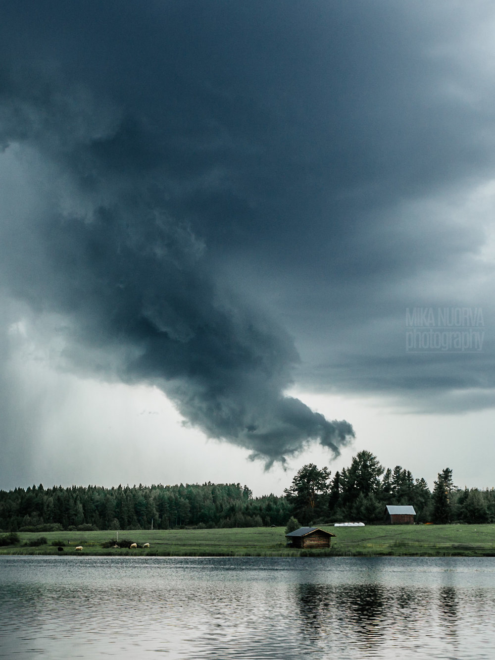 Hand of thunder