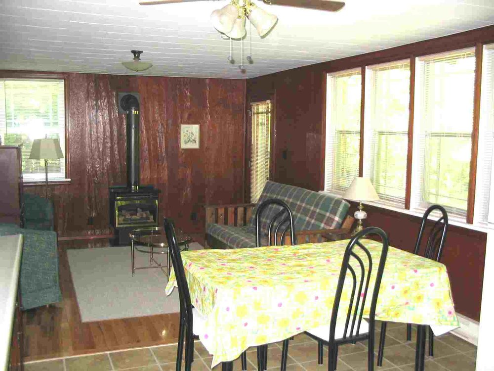 CottageRentalOntario4Inside.jpg