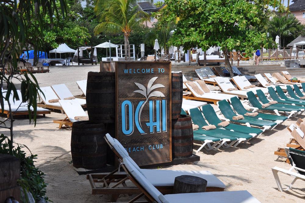 OCHI-neach-club copy.jpg