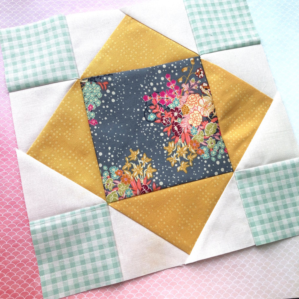 King's Crown Quilt Block Free tutorial.JPG