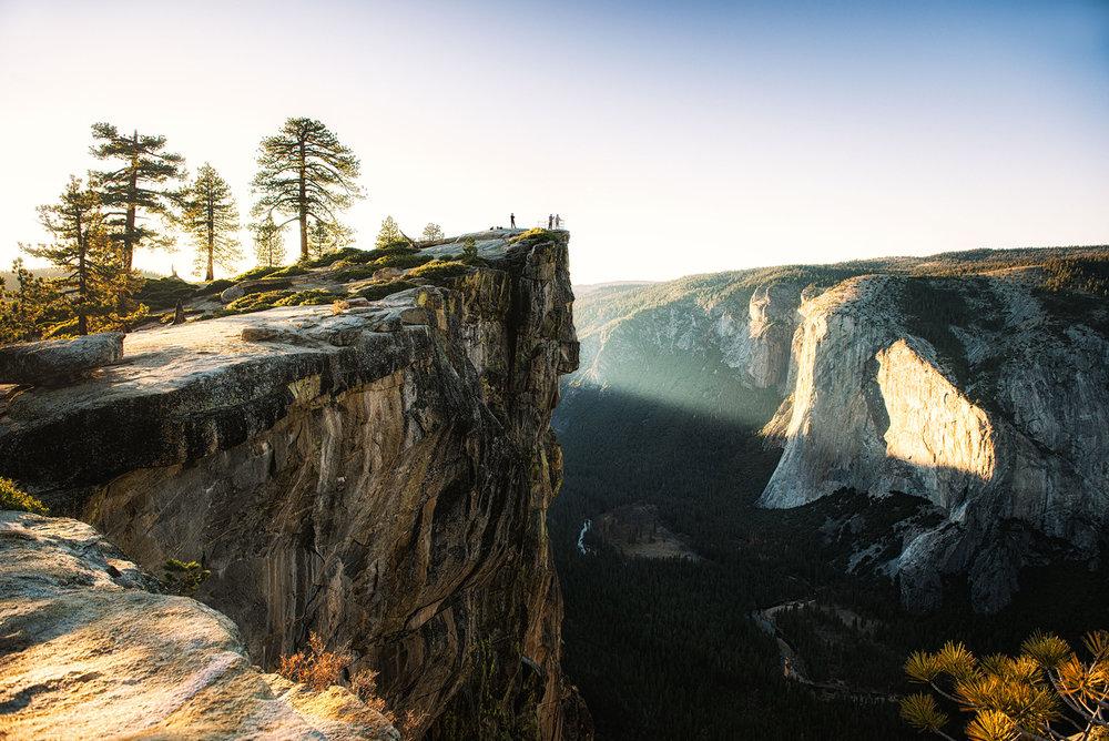 austin-trigg-yosemite-national-park-007-yosemite-national-park-california-taft-point-lifestyle-outdoor-sunset-light-beam-camp-hike-adventure.jpg