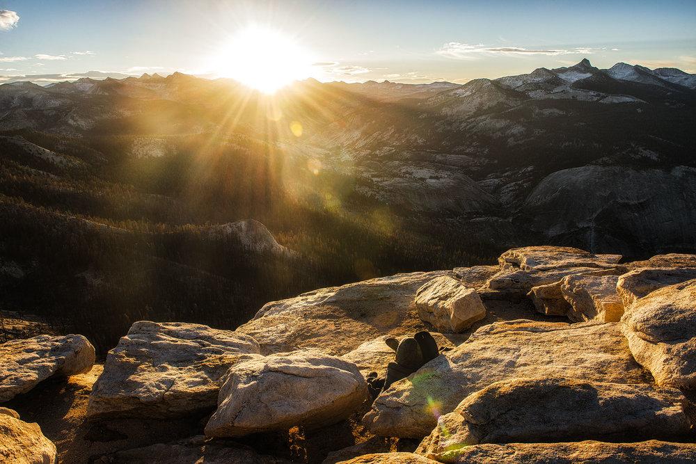 austin-trigg-yosemite-national-park-clouds-rest-valley-california-sunrise-couple-lens-flare-adventure.jpg