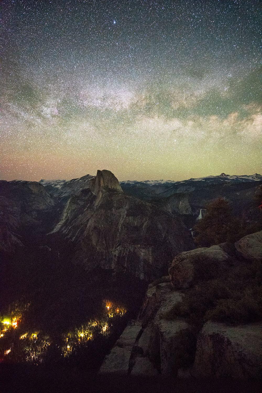 austin-trigg-yosemite-national-park-Glacier-Point-Milky-Way-valley-california-adventure-night-long-exposure.jpg