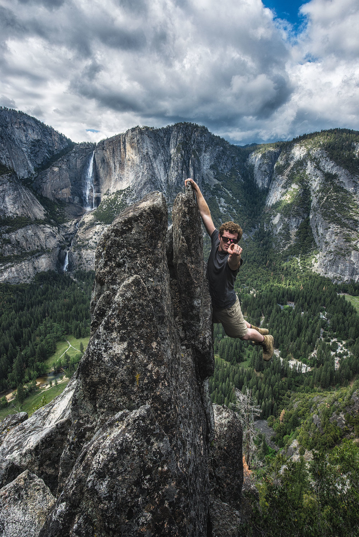 austin-trigg-yosemite-national-park-rock-hanging-waterfall-valley-you-adventure-point.jpg