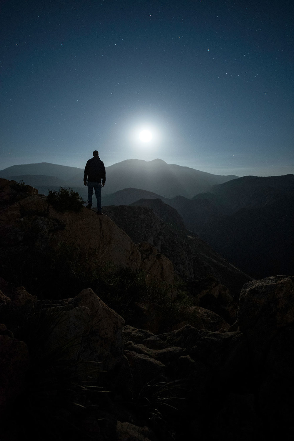 austin-trigg-southern-california-rising-moon-desert-mountains-moonrise-night-adventure.jpg