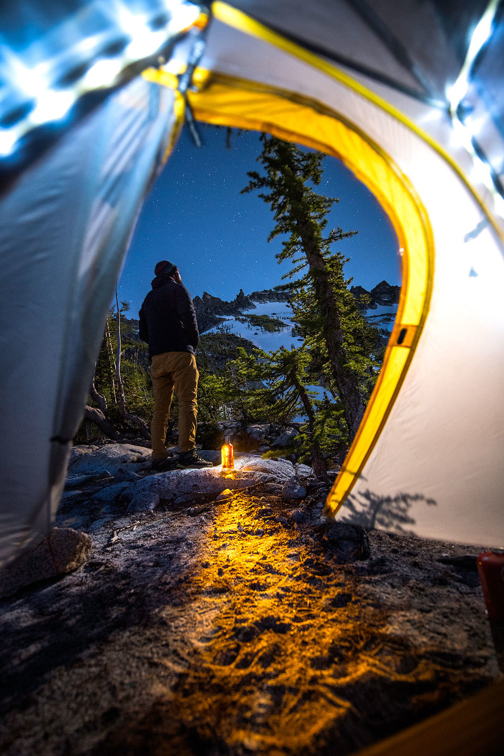 austin-trigg-whiskey-enchantments-washington-product-tent-view-night-light.jpg