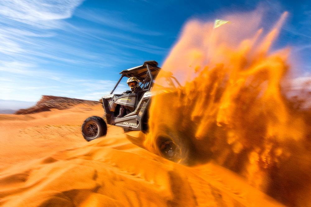 austin-trigg-brave-wilderness-utah-BW-Coyote-peterson-4x4-sand-hallow-Dunes.jpg