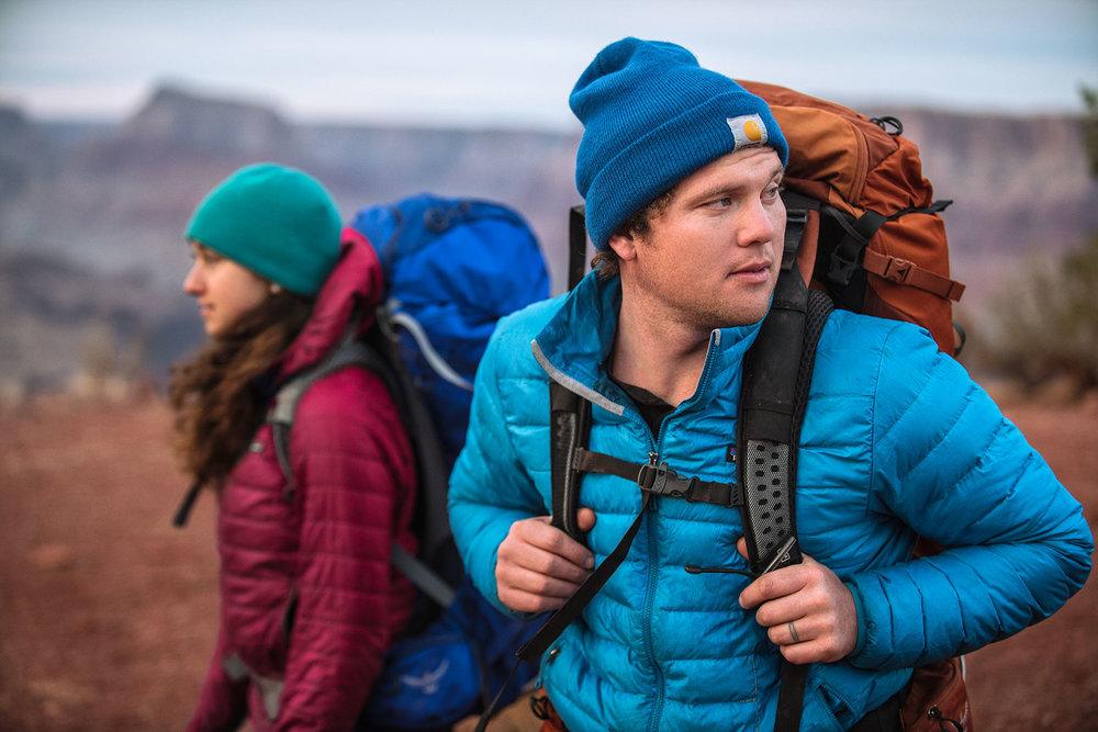 austin-trigg-osprey-hiking-backpacks-grand-canyon-osprey-pack-bag-arizona-hike-camp-lifestyle-product-desert-couple-adventure.jpg