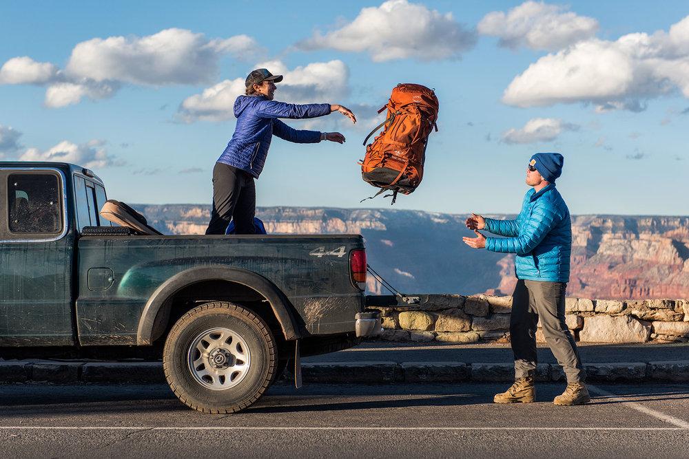 austin-trigg-osprey-hiking-backpacks-grand-canyon-osprey-pack-bag-arizona-hike-camp-throw-pass-rim-clouds-sunset.jpg