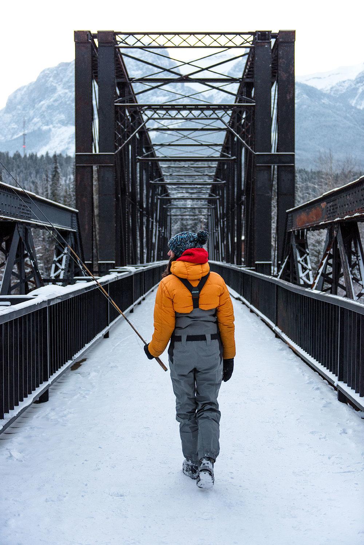 austin-trigg-patagonia-banff-alberta-winter-canmore-bow-river-bridge-mountains-canada-snow-lifestyle.jpg