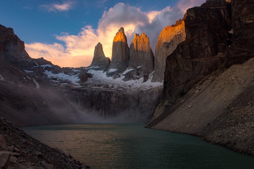 austin-trigg-patagonia-adventure-torres-del-paine-morning-sunrise-light.jpg