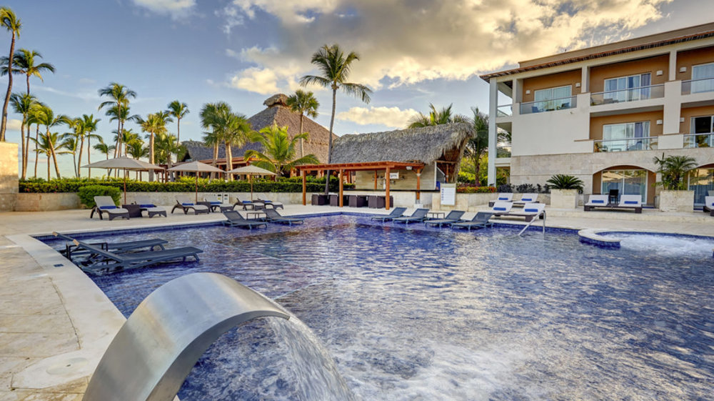 Royalton_PC_Hideaway_Pool_LR010.jpg