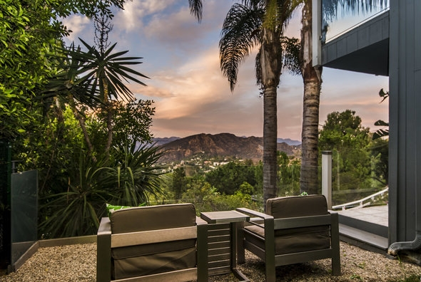 4.46% CAP   $2,060,000 - 7346 Pacific View Drive   Hollywood Heights