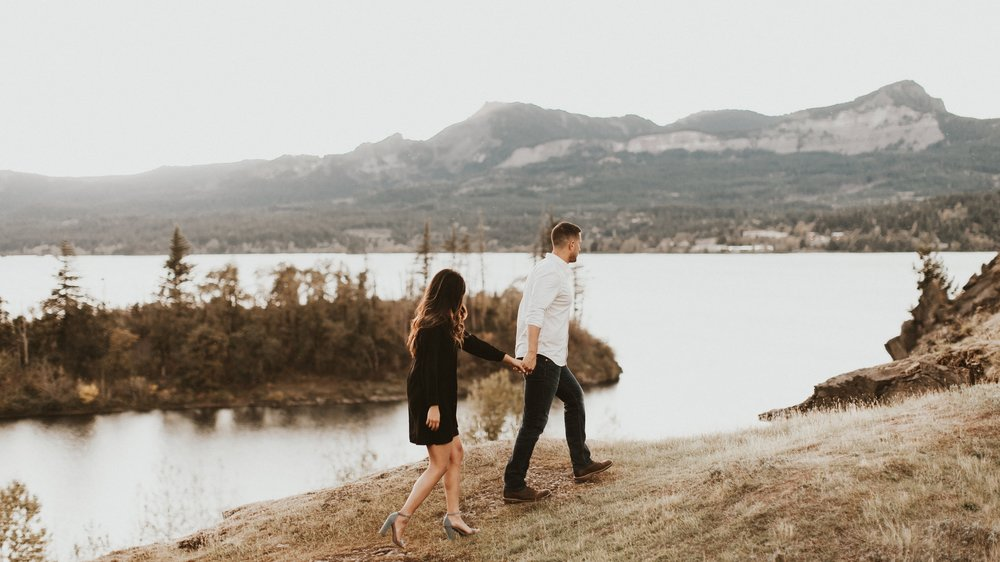 oregon-mountain-engagement-photos.jpg