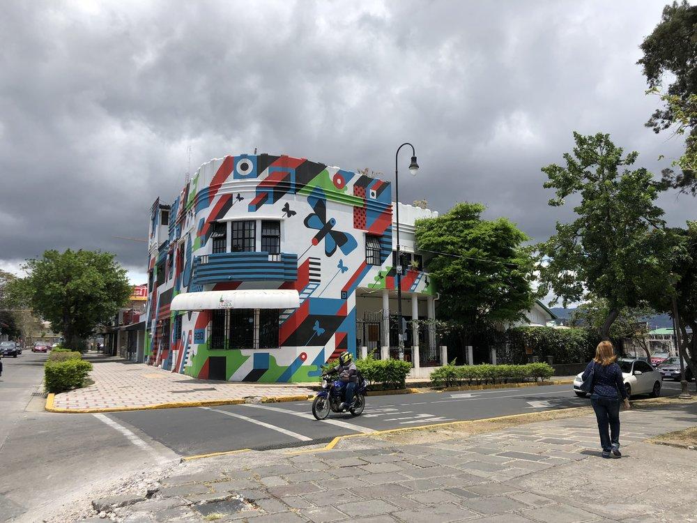 Hotel Casa del Parque building