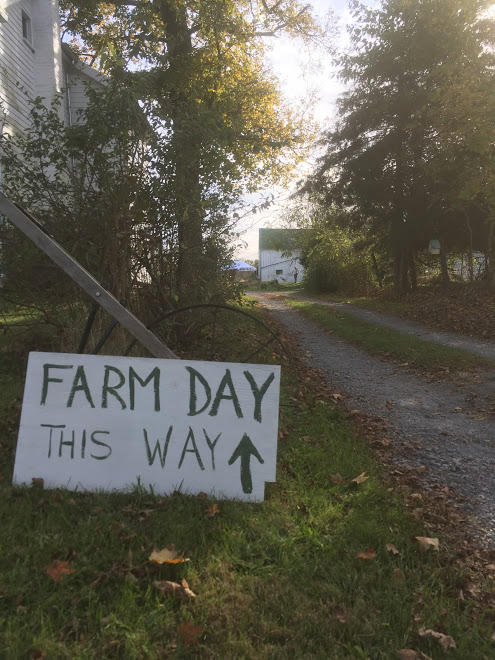 farm day sign.JPG