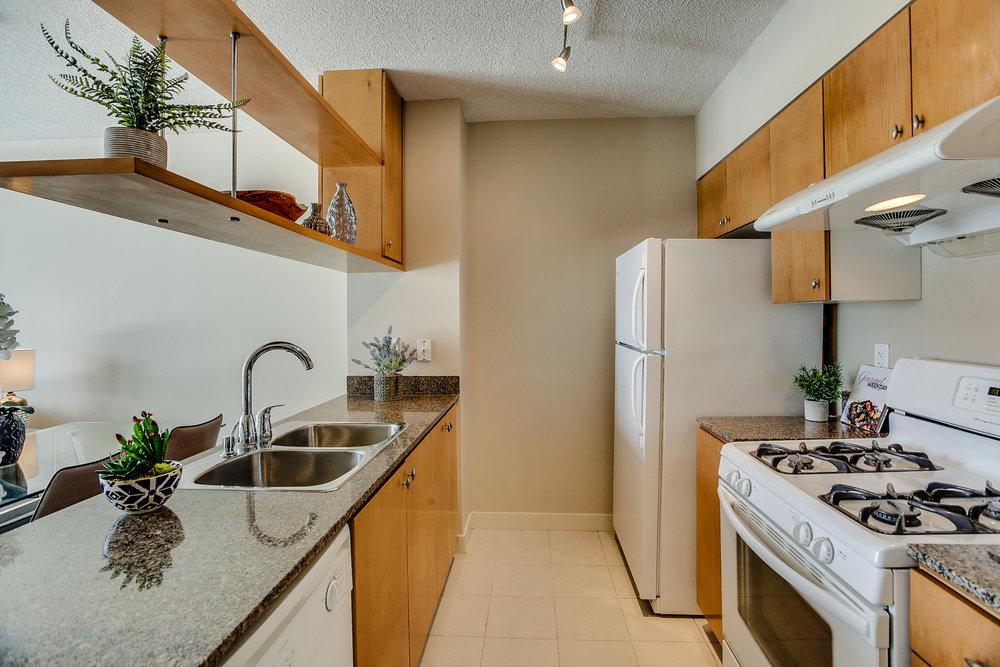 37_kitchen.jpg