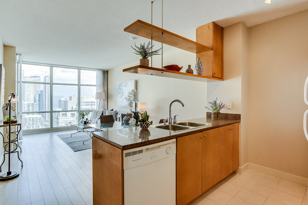 Mariner Terrace Toronto vacant condo staging condo home stager | Classy Glam Staging 2