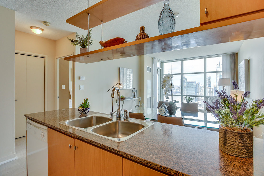 Mariner Terrace Toronto vacant condo staging condo home stager | Classy Glam Staging 4