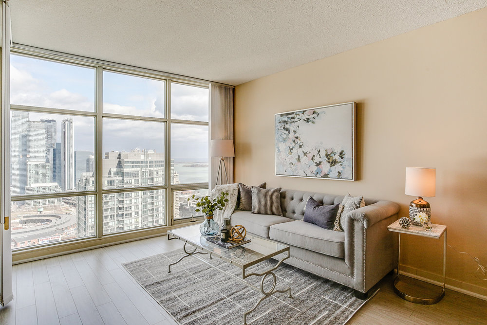 Mariner Terrace Toronto vacant condo staging condo home stager | Classy Glam Staging 8