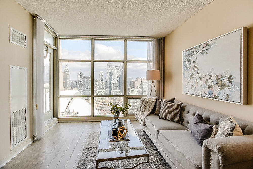 Mariner Terrace Toronto vacant condo staging condo home stager | Classy Glam Staging 9