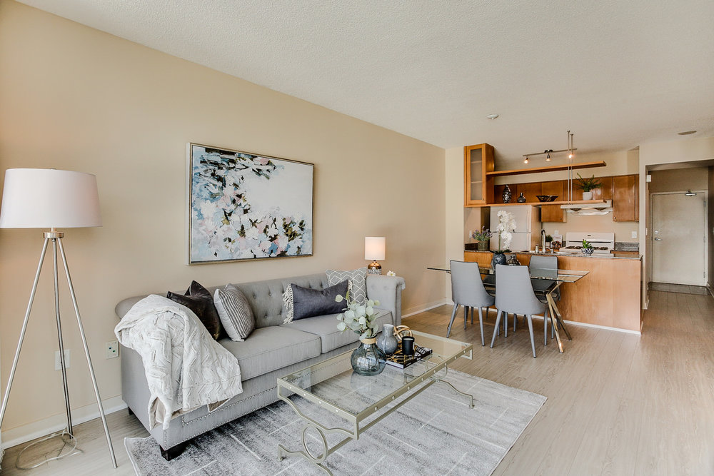 Mariner Terrace Toronto vacant condo staging condo home stager | Classy Glam Staging 12