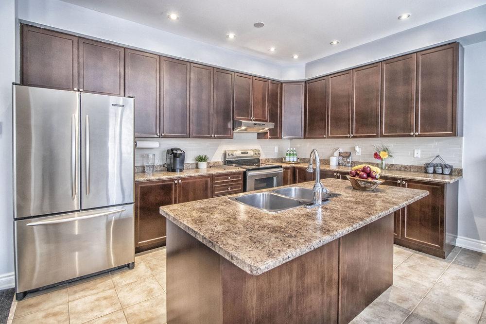 Richard Coulsen Stouffville luxury home staging luxury home stager | Classy Glam Staging 3