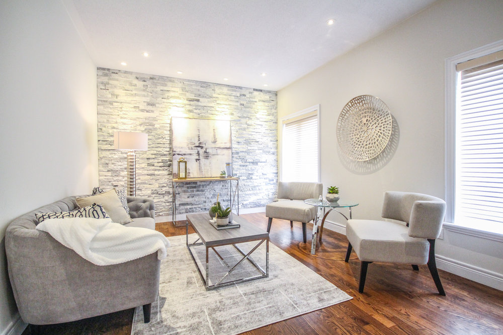 Michelle Vaughan Maple luxury home staging luxury home stager | Classy Glam Staging 4