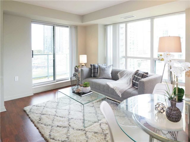 Princess Place II Condo North York vacant condo staging stager | Classy Glam Staging 2