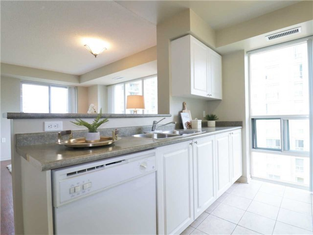 Princess Place II Condo North York vacant condo staging stager | Classy Glam Staging 1