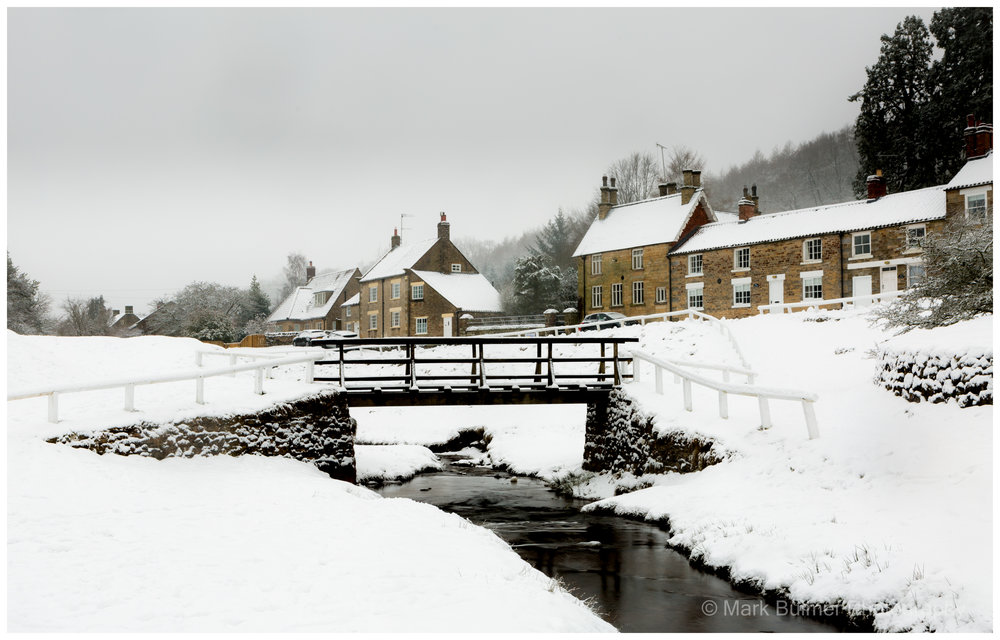 A Snowy Hotton Le Hole
