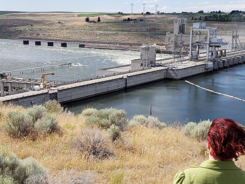 Visiting Ice Harbor Lock and Dam