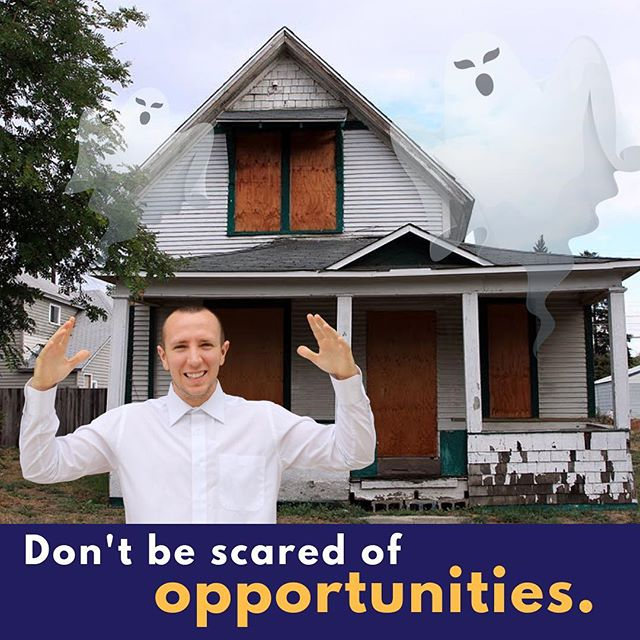 👻 Happy Halloween Action Takers 🎃 —— As a real estate investor, you look for houses like this...why? Because of the infinite opportunities and possibilities. Take a moment to think about #fixerupper 😏 what houses do they look for? 🏚 —— 💰➡️ Click the link in bio to learn more about how to invest in real estate 🤑