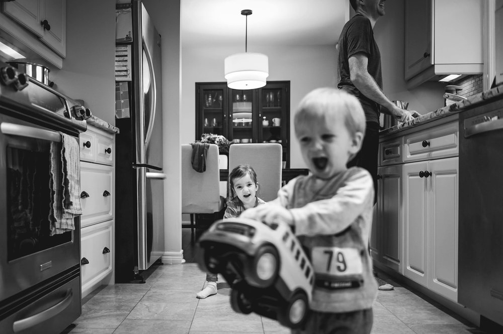 kids playing in the kitchen - st Catharines lifestyle photography