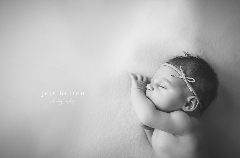 studio lifestyle | 8 day old baby girl | Niagara Falls Newborn Photographer