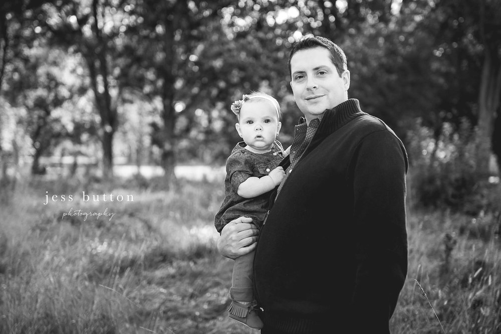 Niagara Family Photographer - Fall family portraits Niagara-on-the-Lake - dad with 10 month old baby girl